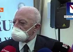 """De Luca: """"Astrazeneca solo a over 60, linea di grande prudenza"""""""