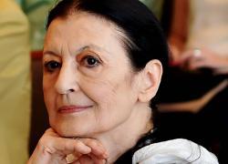 Morta Carla Fracci, Rai Uno omaggia l'étoile con un film sulla sua vita