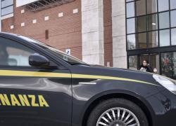 """Reddito di cittadinanza: 116 truffatori a Treviso,  """"nascosta"""" una  Maserati e milioni di euro vinti"""