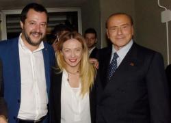 """Centrodestra sfasciato, Meloni sfida Salvini: """"Esca dal governo Draghi"""". Ma Matteo dice no"""