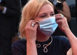 """Venezia, Blanchett e Swinton illuminano red carpet """"mascherato"""""""