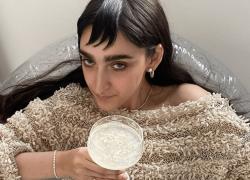 Armine Harutyunyan, la modella di Gucci che divide il web. 'E' brutta' attaccano i social. Toscani: 'Bellezza rivoluzionaria'