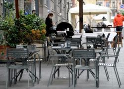 Covid Italia:  cambiano i parametri, Speranza punta a chiudere tutto