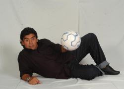 Maradona donne: una moglie, molte amanti. Gli amori turbolenti del dio del calcio