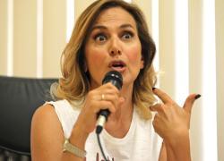 """Raffaella Carrà, il messaggio di Barabara D'Urso fa infuriare i fan: """"È una bestemmia"""""""