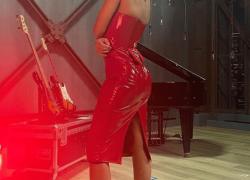 All Together Now, Anna Tatangelo ESTREMA: dal vestito rosso lucido alla lite con la Pavone