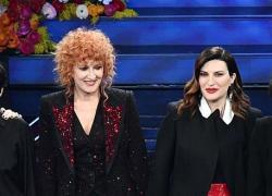 Fiorella Mannoia contro Laura Pausini: scontro social fra le due cantanti amiche. Cos'è successo. 'Polemica becera'