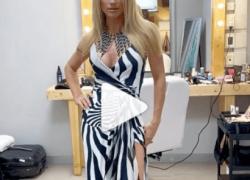 Michelle Hunziker gira su se stessa, l'abito a spacco si apre davanti e si vede la...Ops! VIDEO