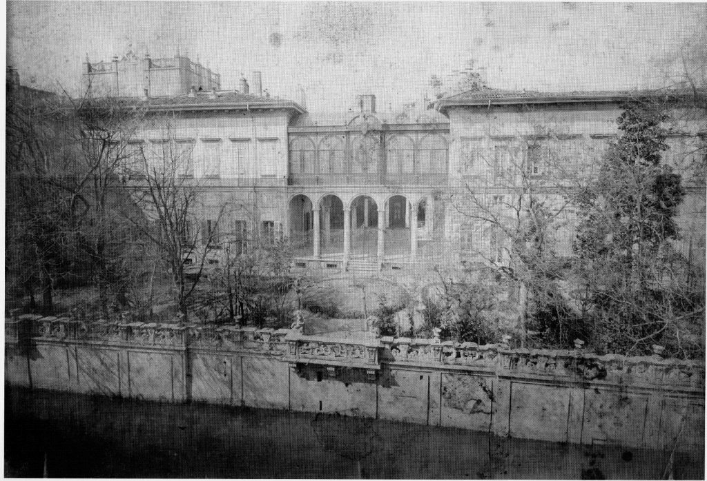 il giardino di Palazzo Visconti sul Naviglio